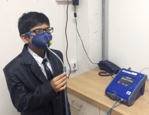 Kids air pollution mask fit test