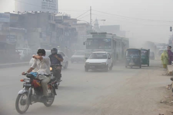 Road dust sand in Dhaka Bangladesh PM2.5 and PM10 pollution