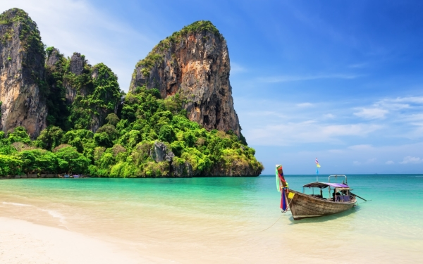 Phuket beach air pollution levels