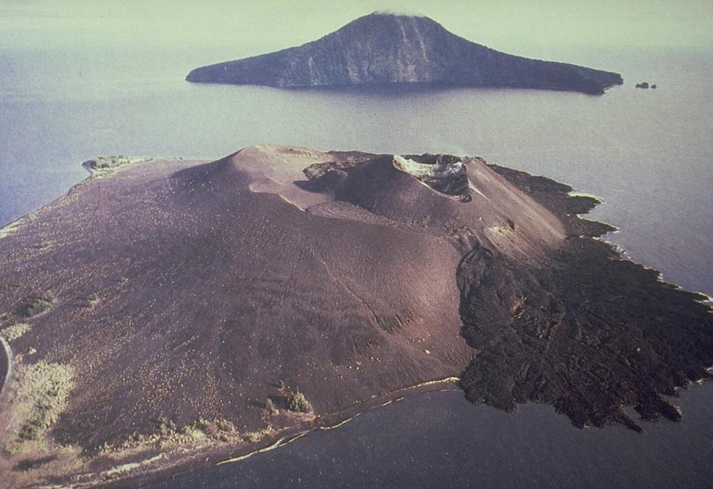 How far does volcano ash travel?
